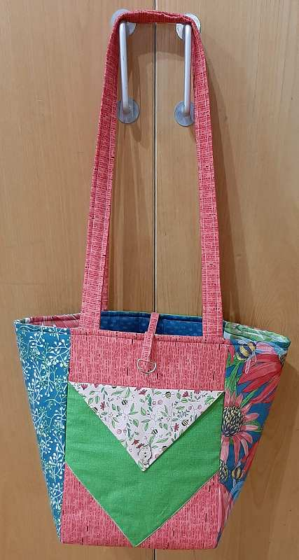 Irene made this bag at a workshop. It's reversable too!